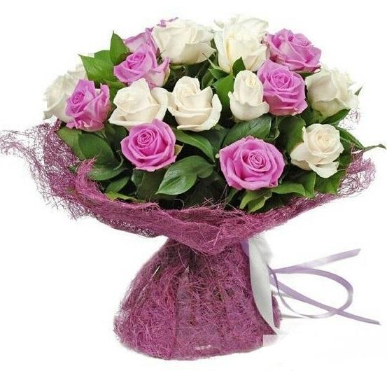 5243 - Pink and White Roses