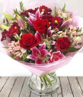 5097 - Romantic Flower Bouquet