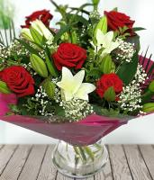 6578 - Classic Rose Lily Bouquet